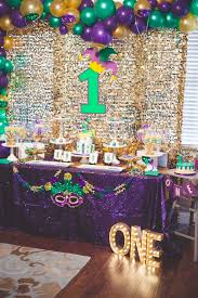 mardi gras party theme sweet 16 mardi gras balloon decor and backdrop by glitter