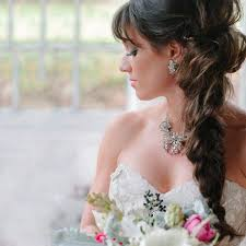 Best Hairstyles For Fat Faces The Bridal Hairstyle For Round Face Beauties 7 Hairdos
