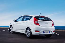 hyundai accent australia refreshed 2015 hyundai accent replaces i20 practical motoring