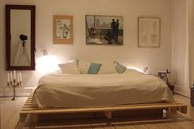 How To Make A Platform Bed Out Of Pallets - diy pallet bed with light lamp 99 pallets