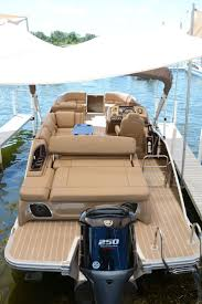 Vinyl Pontoon Boat Flooring by 25 Unique Luxury Pontoon Boats Ideas On Pinterest Tiny House 3