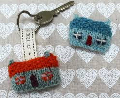 Useful Housewarming Gifts by 6 Creative Knit Housewarming Gifts
