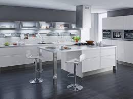 cuisine laqu馥 cuisine laqu馥 blanche plan de travail gris 100 images cuisine