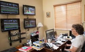 Computer Desks Las Vegas by How A Las Vegas Sports Betting Legend Spends Horse Racing U0027s
