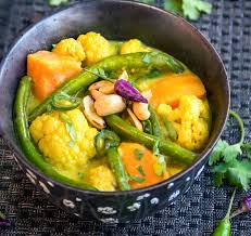 Main Dish Vegetables - sri lankan vegetable curry a spicy vegetarian curry with tropical