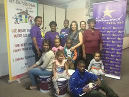 hollywoodbets social responsibility programme uit en tuis