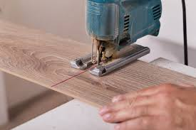 how to cut laminate flooring a simplified guide the flooring lady