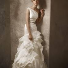 Vera Wang Wedding Vera Wang Wedding Dresses On Still White