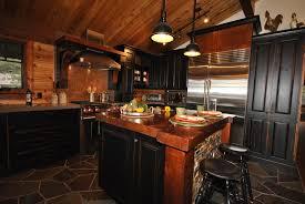 chalet cuisine cuisine rustique pour chalet au bord du lac mélange de bois
