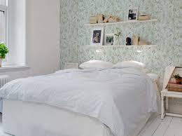 deco mur chambre décorez le mur au dessus de votre lit décoration