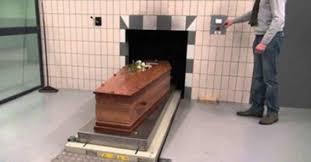 les chambres à gaz ont elles vraiment existées voici ce qui se passe réellement à votre corps dans un crématorium