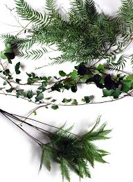 Foliage Flower - tutorial how to make a fresh flower garland we are scout