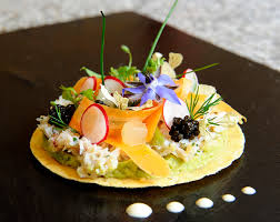 cuisine gastronomique verriere dans une cuisine 12 1217 restaurant gastronomique