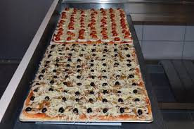 cuisine plaque teglia plaque pizza 60x40 picture of don camillo bourcefranc le