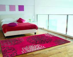 moquette rose fushia tapis design salon pas cher tapis rose fushia tapis noir blanc
