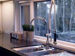 delta faucet 9113t dst essa polished chrome pullout spray kitchen