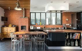 cuisine en brique mur briques exposées dans la cuisine une très idée déco
