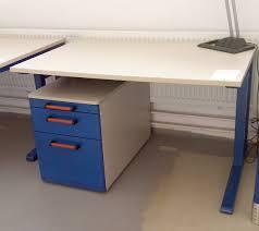 Schreibtisch H Enverstellbar Eck Die Fundgrube U2013 Bürotechnik Und Büroeinrichtungen