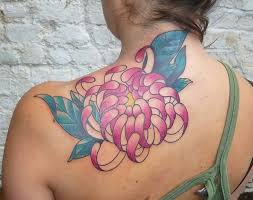 9 chrysanthemum tattoos on back shoulder