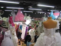 magasin mariage barbes barbes theaccidentalparisienne