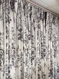 How To Measure For Pinch Pleat Drapes A Pair Of Triple Pinch Pleat Curtains In Designers Guild Fabric