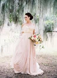 robe de mariã e en couleur tendance mariage la robe de mariée