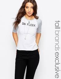 brautkleid spitze tã ll glamorous on fleek t shirt mit kontrast raglanärmeln weiß
