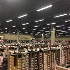designer shoe outlet dsw designer shoe warehouse 20 photos 14 reviews shoe stores