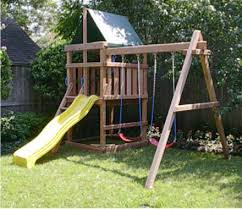Backyard Clubhouse Plans by Build A Swing Set And Play House How To Build A Swing Set