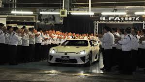 gia xe lexus nx lexus execs want a new halo car to replace lfa auto moto japan