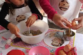 cours de cuisine à bordeaux cours de cuisine atelier cupcakes et cakes pop la fabricamania