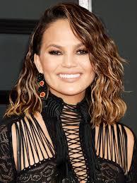 textured shoulder length hair the best shoulder length hairstyles byrdie au