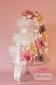 vintage wedding cakes 16 vintage wedding cakes deer pearl flowers