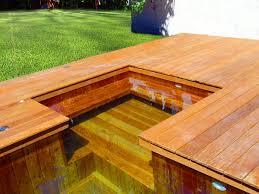 fabricant de petites piscines en bois enterrées dans le sol ou en