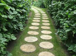 garden paths 30 green design ideas for beautiful wooden garden paths