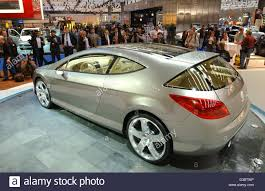 Dpa The Peugeot 407 Elixir A Study In Design Is Presented At