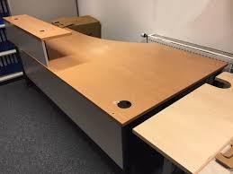 Schreibtisch 2m Lang Gebraucht Großer Schreibtisch Mit Board Von Neudörfler In 4664