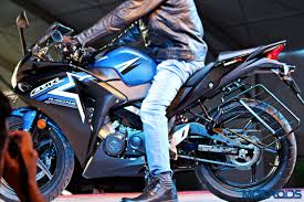 honda cbr showroom new 2015 honda cbr250r and cbr150r now available in india priced