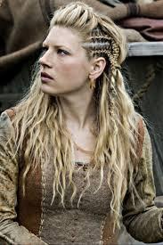 how to plait hair like lagertha lothbrok best 25 lagertha hair ideas on pinterest viking hair step by