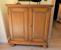 Wohnzimmerschrank Niedrig Hersteller Von Eichenmöbeln Massiv Und Rustikalen Bauernmöbel