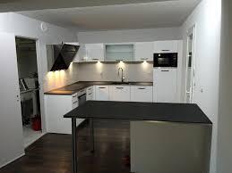 hottes de cuisines réalisation d une cuisine design modèle façade stratifiée blanc