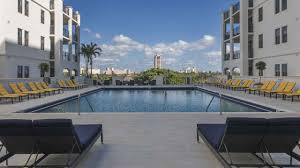 Palace 20 Boca Raton Showtimes by 101 Via Mizner Luxury Apartments In Boca Raton Fl