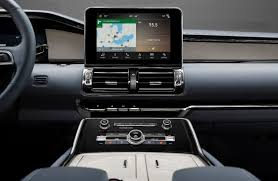 Lincoln Navigator 2015 Interior 2018 Lincoln Navigator Debuts With 450 Hp And Ultra Lux Interior