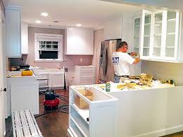 shenandoah cabinets vs kraftmaid q a kraftmaid kitchen cabinets 7th house on the left