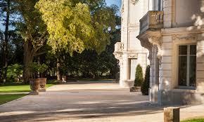 chambres d hotes montpellier vv facade chateau jardin anglais perspectve domaine de biar chateau