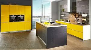 küche gelb sehr schöne gelbe einbau küchen modelle möbelhaus dekoration