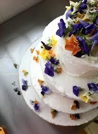 wedding cake edible decorations edible flowers for wedding cakes best 25 wedding cake edible