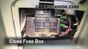 2007 ford mustang fuse box location interior fuse box location 2005 2007 ford focus 2006 ford focus