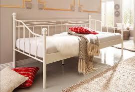 schlafzimmer in weiãÿ chestha dekor schlafzimmer himmelbett