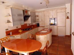 cuisiniste hyeres cuisine associant moderne et ancien en sycomore à hyères
